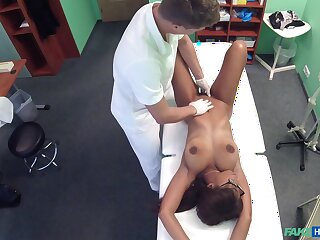Handsome ebony amateur gets her pussy fucked by a white pollute