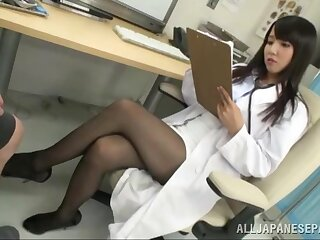 Kinky games exposed to hammer away hospital bed with adorable doctor Ayaka Tomoda