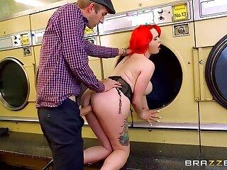 Jasmine's Handy The Laundromat